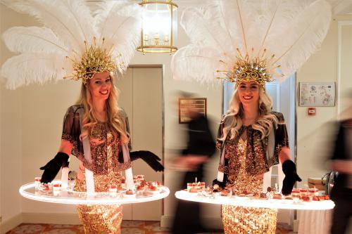 Dessert dames, Buffet Catering act, Golden theme, Golden Girls, Golden Hostesses, Dessert Buffet
