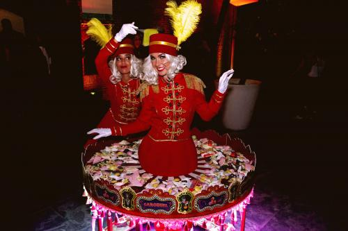 Piccolo spelers in Candy Carousel, Candy dames, Candy bar, Unieke welkomst act, entertainment, event show, Piccolo's, Candy Girls, custommade event intermezzo, rand animatie.