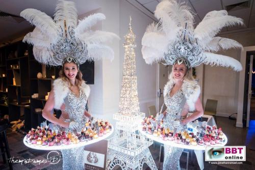 Food entertainment met mobiele LED act. Verlicht display, Winter Wonderland, Silver theme, Queen, fooddisplay, glow, luxe cateringact, patisserie, candy girl, candy girls, Glow Themadames, BBTOnline