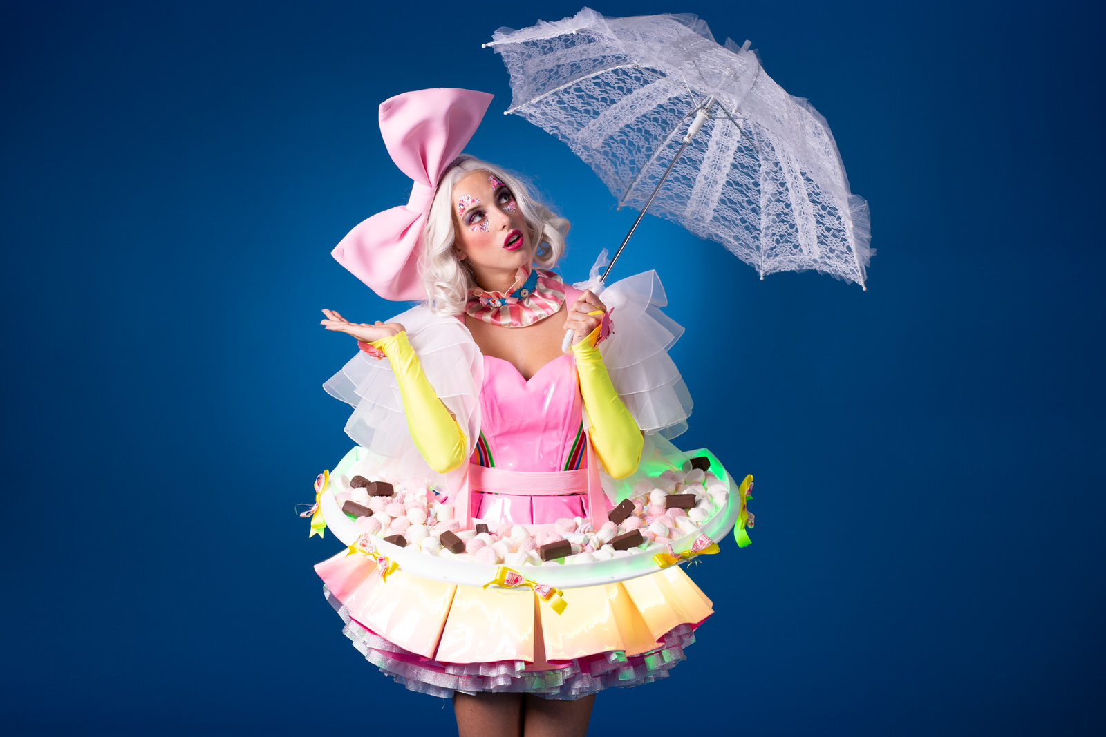 Crazy Candy Girl,zoete candy dameCandy Girls, Sweets and Candy, Tomorrowland, festival fotografie, polaroid act, polaroid dames, polaroid meisjes, Katy Perry candy Girls, Willy Wonka.