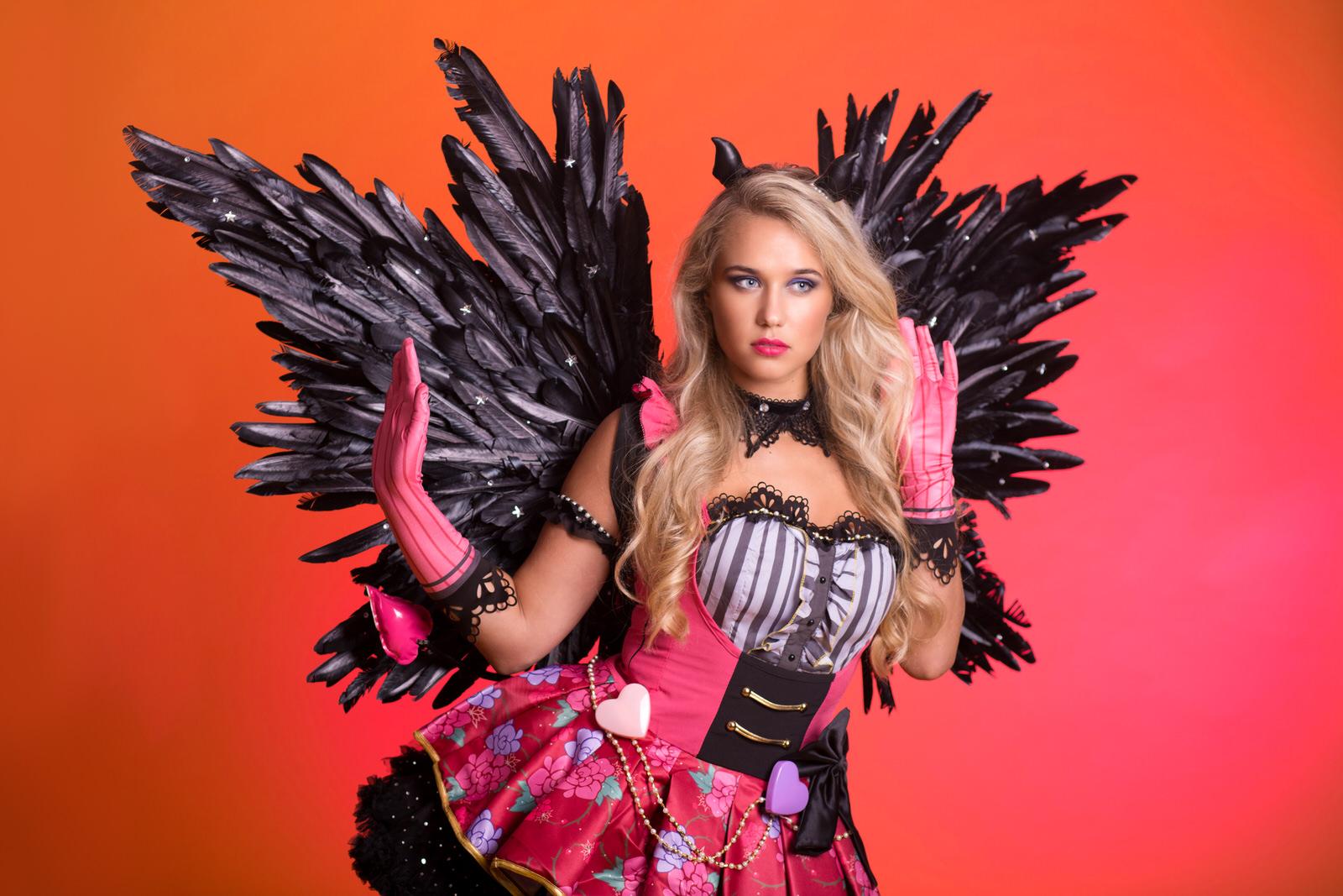 Halloween, Halloween Dame, Duivelse Evenementen, Spooky Girl, Promotion Dancer, Halloween Danseres, Freestyle dancer, Halloween Angel, Sweet Devil, Little Halloween Devil.