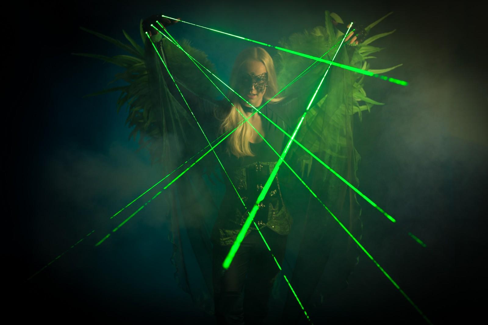 Laser Party, Lasershow, Disco Entertainment, Club Promotie, Entertainment, Dansact, Green Lasershow, Themadame, Laser Angel.