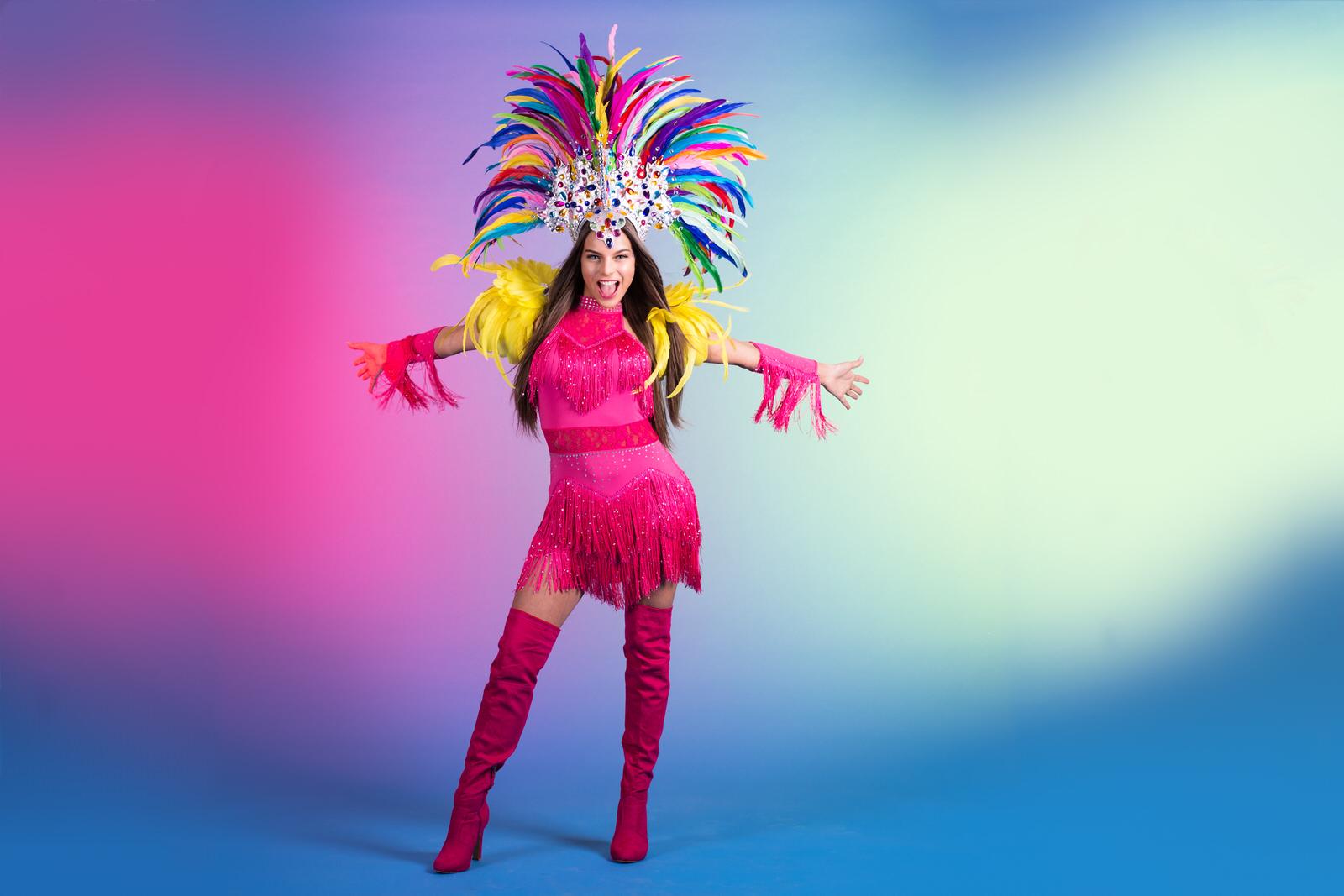 latin, salsa, dans, rio, carnaval, opzwepende dans, beweging, roze, pink lady, feathers
