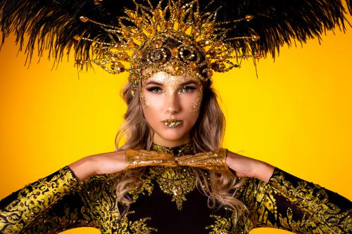 Gouden kostuum, chocoberry, gouden thema, thema kostuum, event entertainment, mobiel entertainment