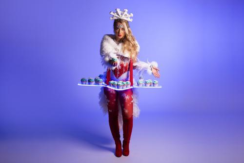 Snowflake, Kerstvrouw, Kerstdame, Kerst entertainment, Winter wonderland, event show, event entertainment,  unieke animatie, welkomstact, uniek kostuum creatie, winter, kerstdagen