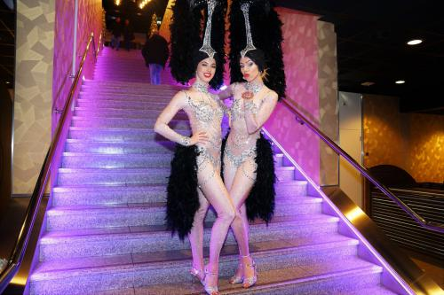 Showgirls danseressen, Zilver kostuum, Diamond Girl, James Bond, Vegas thema kostuum, freestyle danser, Showgirl, thema event, thema entertainment, mobiel entertainment