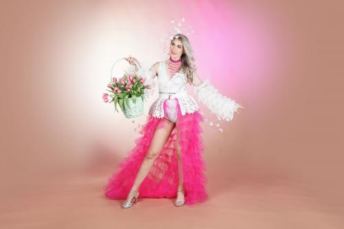 Blossom spring, voorjaars hostess, bloesem dames, bloemen dame, flower lady, zomer event, zomer styling, zomer kostuum, mobiel entertainment, bloemendame, complimenten dame, mobiel inzetbaar