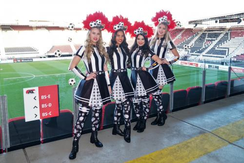 Soccer girl, Voetbal vrouw, voetbal thema, thema kostuum, voetbal event, voetbal entertainment, event entertainment, ajax, mobiel spel, mobiel entertainment, thema entertainment