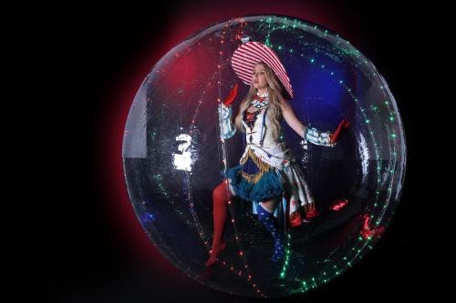 Bubble Girls, LED entertainment, Bubble act, acrobatische act, Ballerina in bubbel