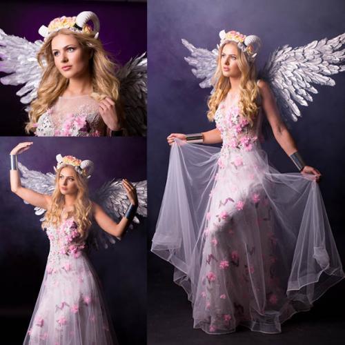 Magische Lentefee, Fantasy, Blossom girl, Voorjaarsdame, White Horns, Blossom Angel, Natural Beauty, Themadames, Theater Dancer, Entertainment, Magisch Mooi, Promoteam
