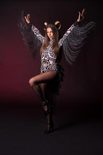 Dark Theme, Fantasy, Horror, Halloween, Black Angel, Golden Horns, Fantasy Dancer, Freestyle Danseres, Podiumblok Danseres, Club Events, Entertainment, Glitter, Mysterious Beauty.