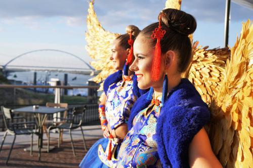 Chinees Nieuwjaar, Hostessjurk, Aziatische thema events, Promotion Team, Hostess Service, Themadame, Red Angel, Green Wings, Entertainment, Power Vrouw.