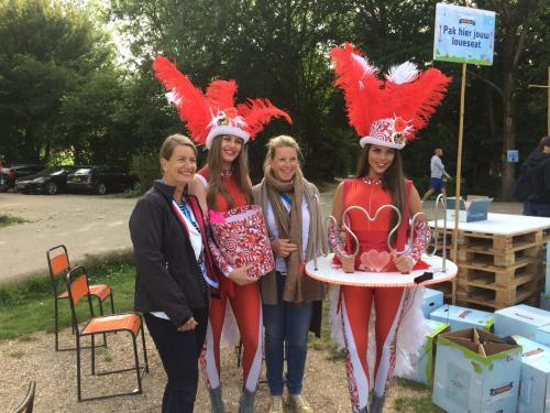 Candy Girls met het Themadames Bibber-spel tijdens het Cupido business festival.