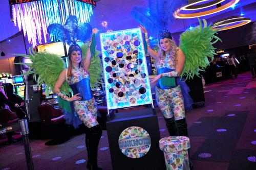 Casino dame, Las Vegas thema events, Casino Girl, Speldames, Speldame met dobbelspel, LED entertainment, Mobiel spel, Mobiele act. Promotion, Freestyle Dancer, Go-Go Dancer.