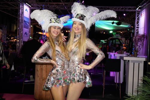 Fotoact met de Las Vegas Mirrorgirls. Polaroid act, Polaroid dames, Fotomarketing, Actie, Thema event, Spiegeldames.