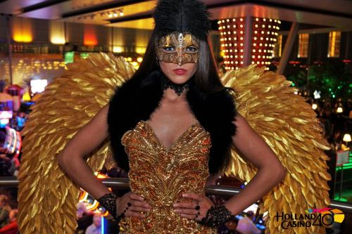 Gemaskerd Bal, Gala Cocktail Dress, Polaroid Actie, Gala Hostess, Thema Dame, Promotie Actie, Masquerade Hostess, Golden Angel, Gala Angel, Gemaskerde Engel.