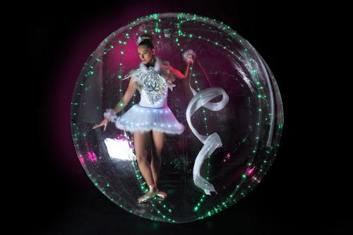 LED Ballet, ballerina, Bubble girl, bubble danseres. LED bubble, mobiel entertainment, freestyle dancing, event entertainment, halloween entertainment
