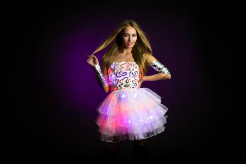 LED Girl, Hostess, Winterse Danseres, LED Lampjes,Cocktaildress, Promotie, Entertainment, Themadames, Openingsact, Champagne Hostess.