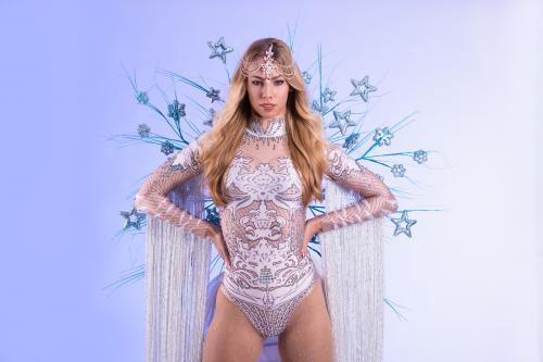 Dancing Act, Winterssprookje, Frozen Snow Dancer, Freestyle Dancer, Entertainment, Themadames, Winter Dame, Snow Queen.