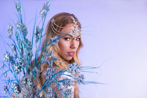 Dancing Act, Winterssprookje, Frozen Snow Dancer, Freestyle Dancer, Entertainment, Themadames, Winter Dame, Openingsact.