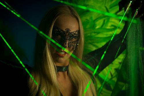 Future Bright event, Futuristischthema, Lasershow, Premium Entertainment, Freestyle danseressen, Go-Go LED show, Dansact, Green Lasershow, Themadame, Laser Angel.
