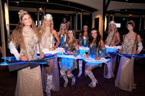 Gouden Ibiza party, summer event, beach party, standfeest, zomer entertainment, dinnershow, food entertainment, catering act, schelpen, luxe strand look