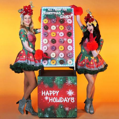 donut, donuts, donut wall, donutwand, food, sweets, foodentertainment, kerst, christmas, xmas, food service, catering, mobiel, traktatie