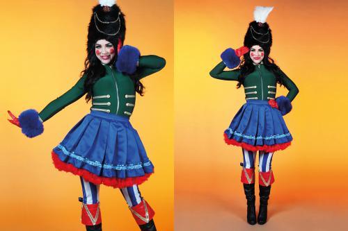 Notenkraker, pop, puppet, doll, character, karakter, speelgoedfiguur, ballet, kerst, christmas, x-mas, decoratie, levend karakter, living character, sprookje, warenhuis, kerstgevoel, kerstornament, levend kerstornamend