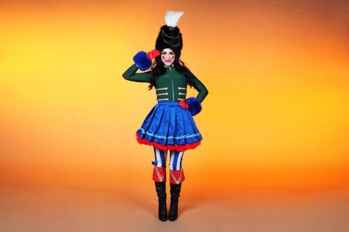Notenkraker kostuum, kerst entertainment, Nutcracker, kerstvrouw, mobiel event entertainment, hostess