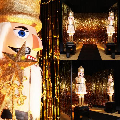 Gold Party, Gouden kerstversiering, notenkraker, kerst decoratie, kerst aankleding, gouden thema event, event decoratie, gouden pailetten wand, gold wall, sequin wallGold Party, Gouden kerstversiering, notenkraker, kerst decoratie, kerst aankleding, goude