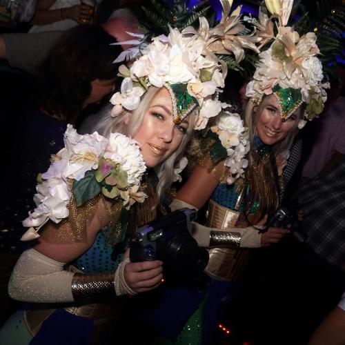 Flower Girl, Bloemen dame, Jungle, Hawaii, Carribisch, Summer event, Ibiza