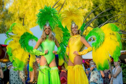Samba, Carnival, zomer carnacal, steltenloper, steltenact, stiltwalker, stiltwalkers, zomer event, festival, festival event.