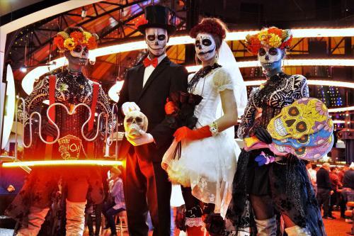 Halloween, Skull mask, Halloween spel, Bibberspel