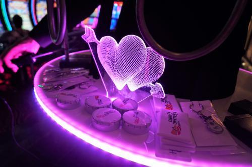 Lucky Ladies Night met Themaheer en mobiel spelentertainment in vorm van het Signaalspel met bibberspiraal. Liefdesspel, mobiel entertainment Valentijn, Complimentendag, Liefde, Moulin Rouge, Mannen