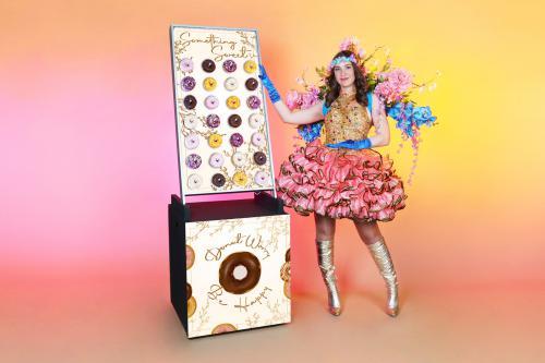 christmas, x-mas, holly jolly, ho ho ho, santa, kerstman, bar, sweets, treats, treat table, strolling table, walking table, food, foodentertainment, donut, donut wall, food wall,, spring, voorjaar, floral