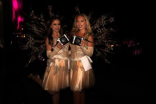 Luxe polaroid foto act, unieke act, Casino Girls, Las Vegas engelen, thema entertainment, polaroid foto actie, polaroid hostess, engelen, Silver events, Ice Angels, Winters entertainment, kerst, feestdagen, act, fotomarketing, polaroidmeisje, polaroidfoto