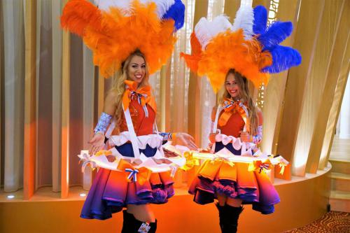 Hollands Glorie, Dutch Girl, Hollandse Hapjes dame,Food Entertainment