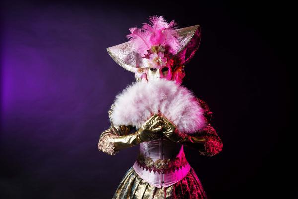 Venetiaans entertainment, gemaskerde karacters, mysterieuze spelers, act boeken, venetiaans gala, gemaskerd bal danseressen