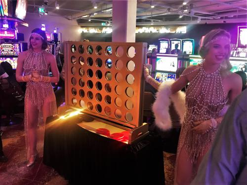 Mobiel entertainment, Mega Vier op en Rij, Thema dames, Thema dame, Gold thema, Amusement, Zaal entertainment, Gaming entertainment