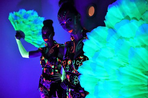 UV, Glow in the dark, neon, Back to the future, futuristic, danseressen, dansshow, event entertainment, Glow danseressen inhuren