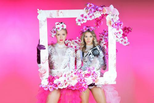 Flower Girls met foto act, event fotografie, fotobooth, mobiel entertainment, Lente dames, Bloemendames, Flower Girls, Lente event, Zomer event