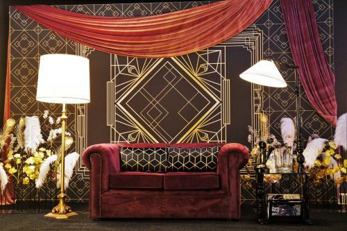 Gatsby fotobooth, foto decor, event decoratie, polaroid fotografie, roaring twenties, 20-ties, the great gatsby, art deco, decoratie evenementen, entertainment, fotografie, fotograaf