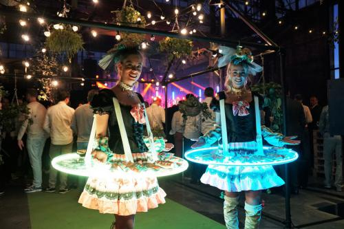 Icecream Girls mobiele LED tafel, Sweet Girl, Ijsjesdame, Donut Lady, Cupcake Girl, Candygirl, Chocolate Girl,  Thema Dames, Candy Entertainment, Cupcake And Donuts. Food and Beverage entertainment, Catering act.