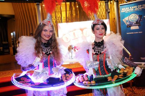Levende LED tafel, LED entertainment, welkomstact, hostess, Circus thema, Promotie, event act, food display, luxe catering, Themadames
