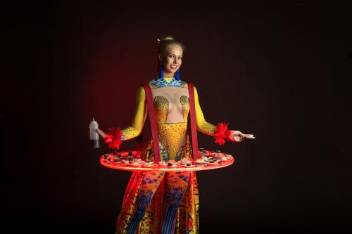Levende LED tafel, LED entertainment, welkomstact, hostess, Orientaals thema, Chinees Nieuwjaar Promotie, event act, food display, luxe catering en amuses. Themadames