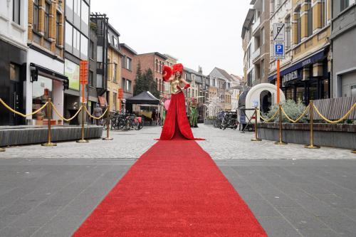 Welkomst act, Gold Party, Gold event, Gala, Levende Loper, Rode Loper, Luxe gastenontvangt, event entertainment, winkelcentrum promotie, welkomst act